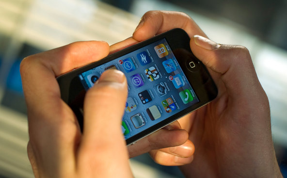 Mobile Device Theft : How They Get Into Your Locked Phone And What You Can Do